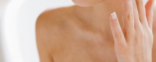 Bien suivre son traitement anti-acnéique sur le long terme