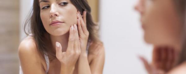 L'acne non è contagiosa.