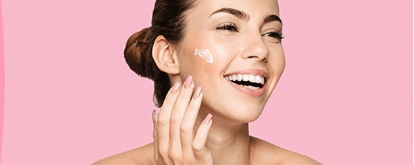 Come posso fare per idratare la mia pelle secca?