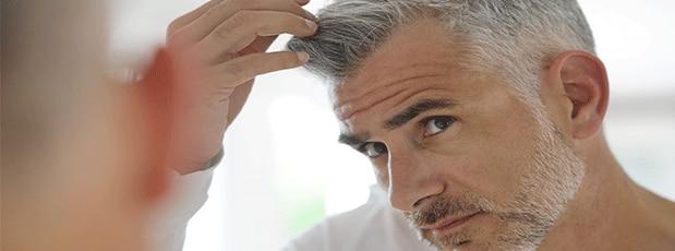 Mój przeciwstarzeniowy program pielęgnacyjny dla włosów mężczyzn